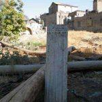 تصویر و عکس ستونهای سنگی رها شده خانه و باغ اتحادیه (امین السلطان ، دایی جان ناپلئون)