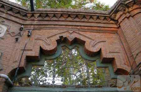 تصویر و عکس آجر کاری اسلیمی سردر خانه و باغ اتحادیه (امین السلطان ، دایی جان ناپلئون)