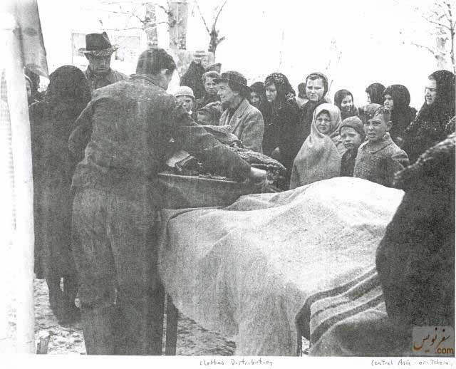 مهاجران لهستانی در صف غذا در شهر تهران