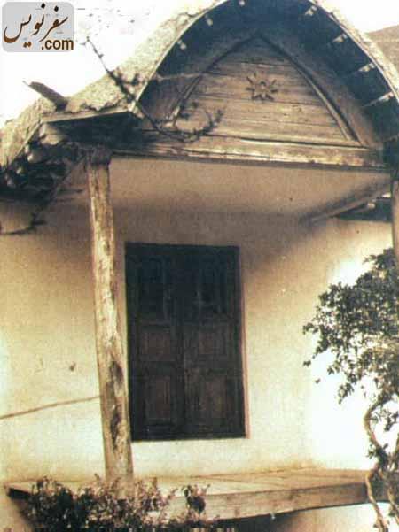 سر در خانه میرزا بزرگ نوری در روستای تاکر