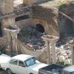 سرستونهای باقی مانده عمارت تخریب شده قاجاری میدان فردوسی