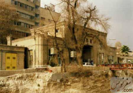 سردر قورخانه در زمان ساخت ایستگاه مترو