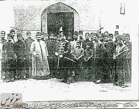 ناصرالدین شاه به همراه دارالخلافه در کنار قورخانه تهران