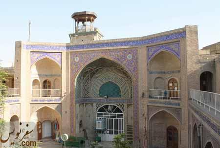 ایوان جنوبی مسجد و مدرسه حاج قنبر علی خان