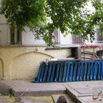 طاق نمای آجری دیواره غربی پمپ بنزنین دروازه دولت (محل دپو سطل زباله)
