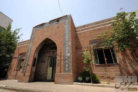 پمپ بنزین دورازه دولت - عکس حامد میرزا خلیل