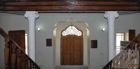 ستونها و سرستونهای خانه مشیرالدوله پیرنیا