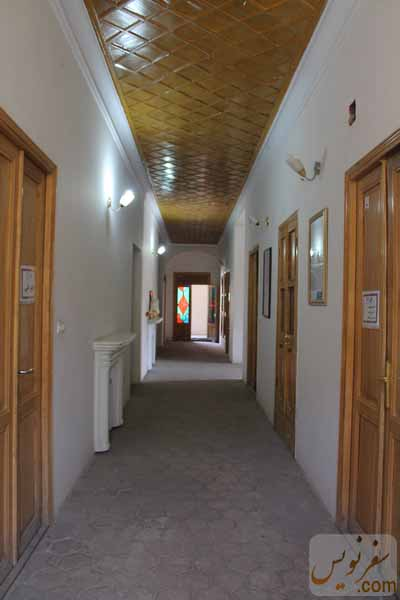 راهرو طبقه همکف خانه مشیرالدوله پیرنیا