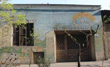 درب گره چینی شده در خیابان شهید تقوی