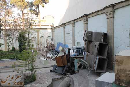 تبدیل حیاط خانه صادق هدایت به عنوان محل دپوی ضایعات
