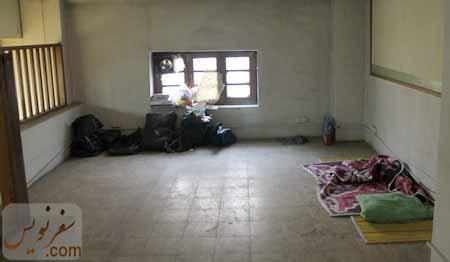 اتاق نیم طبقه که در حاضر رها شده است و ...