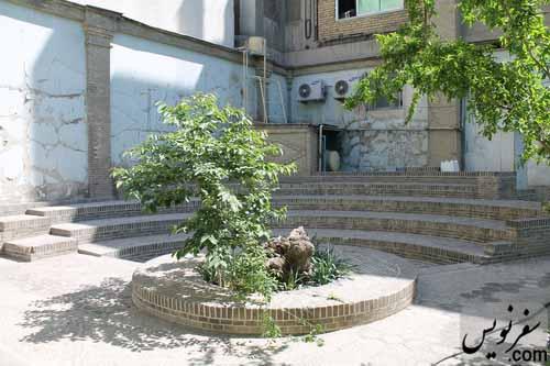 انتقال تمام ضایعات و آمفی تئاتر حیاط خانه صادق هدایت پس از پاکسازی