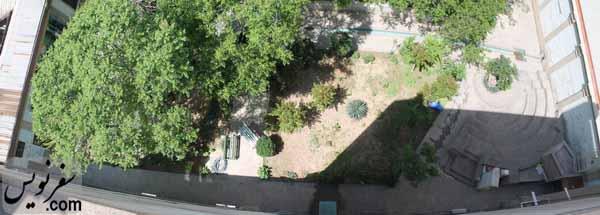 تصویری از حیاط بدون ضایعات خانه صادق هدایت