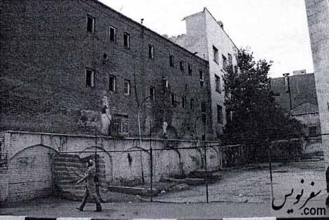 جداره قدیمی پمپ بنزین دروازه دولت
