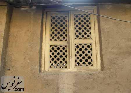پنجره ای چوبی به جا مانده از خانه شیخ فضل الله نوری