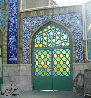 درب ورودی مسجد شیخ فضل الله نوری (میرزا یونس خان) از بن بست جوان