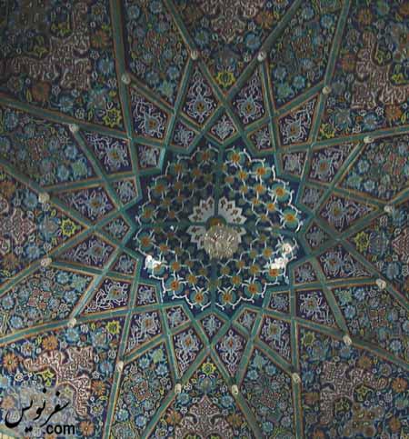کاشی کاری سقف هشتی مسجد شیخ فضل الله نوری (میرزا یونس خان)