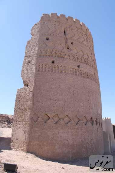 برج جنوب غربی قلعه ارگ انار
