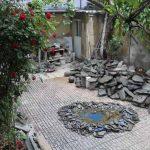 حیاط خانه، موزه، گالری، کارگاه هنری احمد نادعلیان در تهران