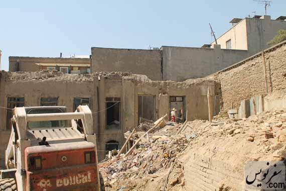 تخریب یک خانه قاجاری در خرداد 94