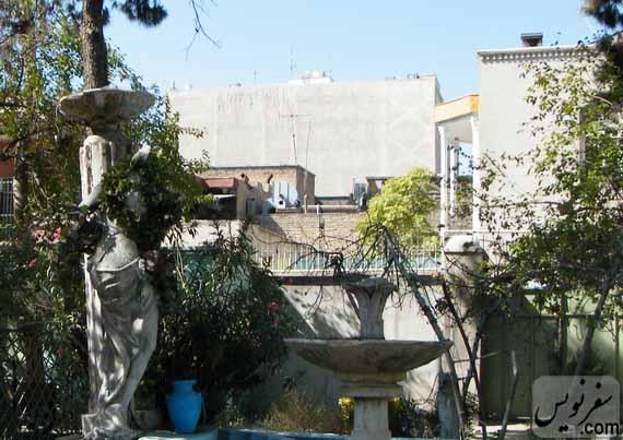 دورنمای خانه تاریخی ماوثاله (کوچه جمالی) از حیاط کافه رستوران نادری