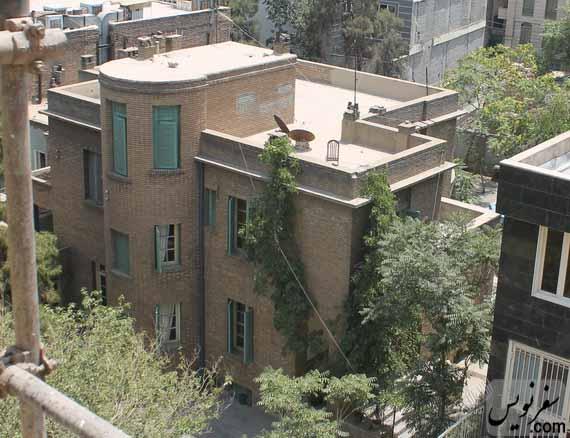 خانه غلامرضا فولادوند در جنوب خانه شهریار عدل