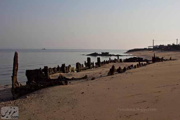 بدنه باقی مانده از کشتی های انگلیسی در جزیره هنگام، عکس فرشته ثابتیان
