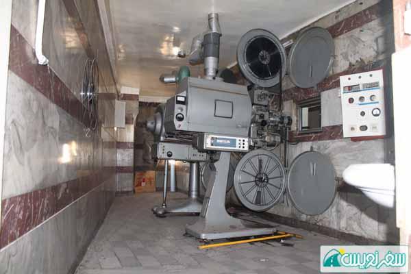 بخشی از تجهیزات سینما آرش که می توانست به موزه سینما اهدا شود!!!