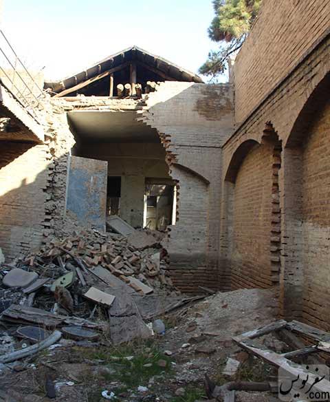 بخشهای درحال تخریب خانه سپهبد احمد امیر احمدی