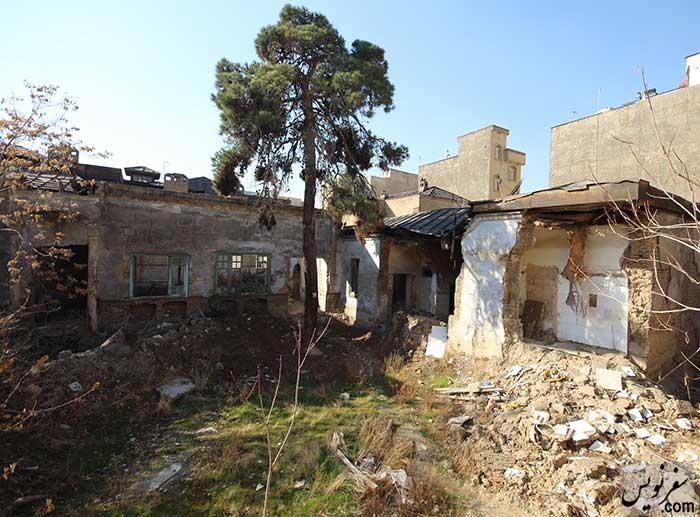 بخشهایی از خانه تاریخی سپهبد امیراحمدی در حال تخریب