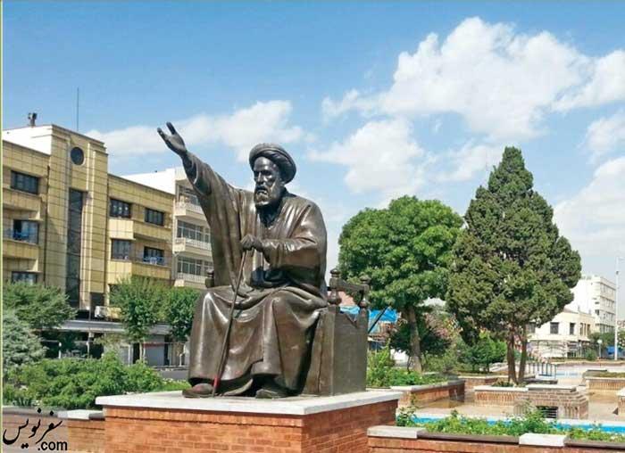 مجسمه سیدحسن مدرس در میدان بهارستان