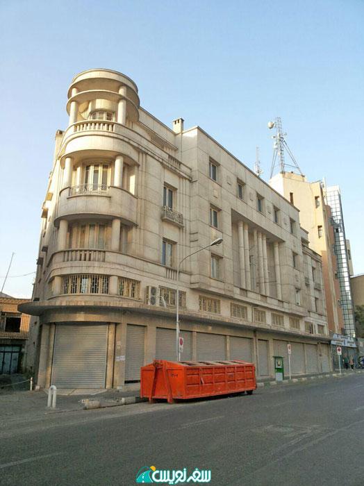 مزایده ساختمان جیپ اثر وارطان هوانسیان