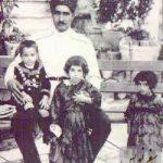 رضا خان پهلوی و فرزندانش در خانه وزیر جنگیش