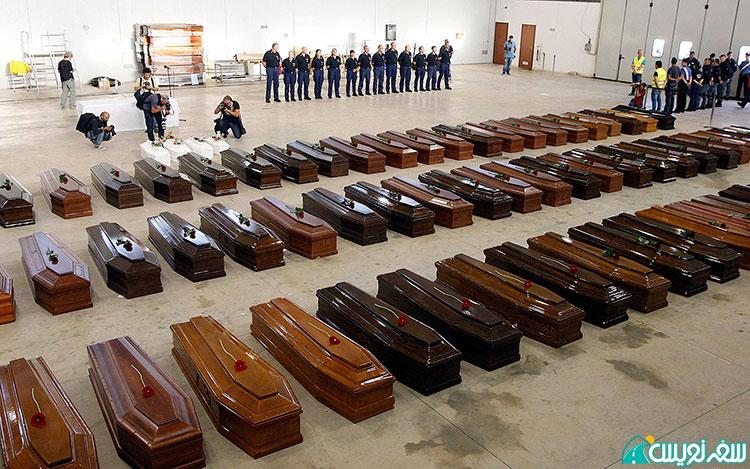تابوت مهاجران آفریقایی که در دریا قبل از رسیدن به مقصد، دور از وطن مردند. lampedusa