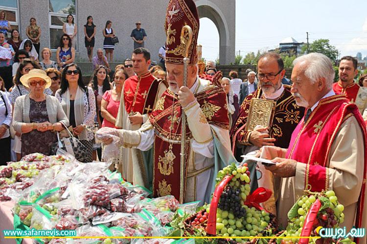 برگزاری جشن تبرک انگور و عرج حضرت مریم
