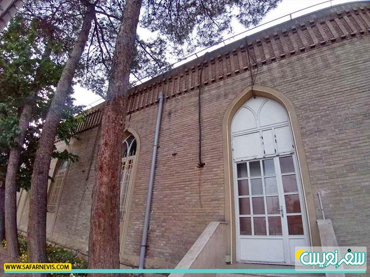 جداره ارزشمند ساختمان تاریخی ایستگاه راه آهن قم